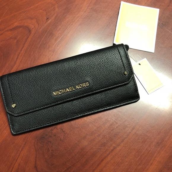 10a29d639035 Michael Kors Accessories | Hayes Flat Wallet Black Nwt | Poshmark